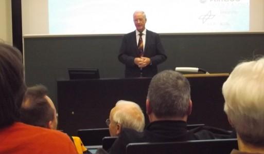 Der Referent Herr Dr. Werfel